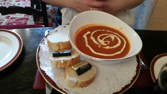 Kenlis Arms: Homemade tomato soup