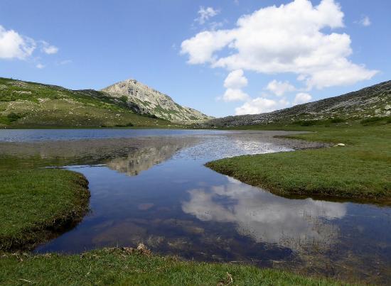 Haute-Corse, Francia: altra angolazione del Lac de Nino