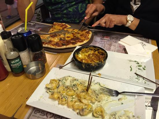Esmer Cafe Best Restaurant In Istiklal Fresh Italian Food Pizza Its My 5th Visit
