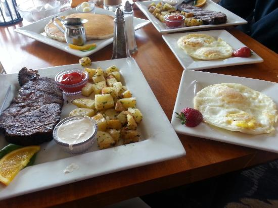 The Surfside Restaurant and Lounge : Prime rib and eggs