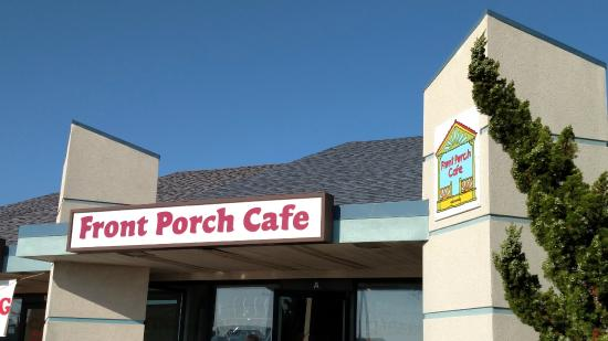 Front Porch Cafe: In the shop center right at MP 6
