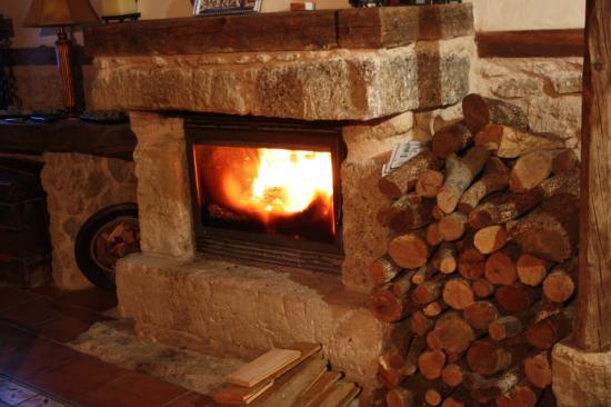 La chimenea un lugar acogedor para compartir en invierno grandes