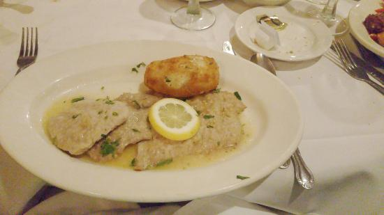 Fiorentino's Ristorante: Veal picatta, just a light for flour dusting not a heavy breading and a tangy lemon sauce. The w