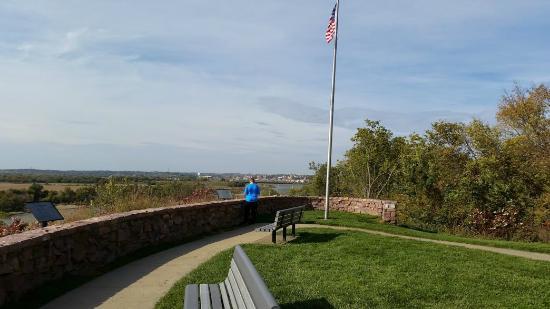 Sergeant Floyd Monument: Looking north