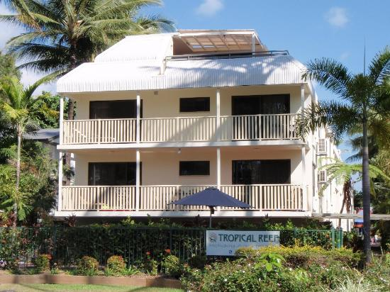 Tropical Reef Apartments : Apartment Complex
