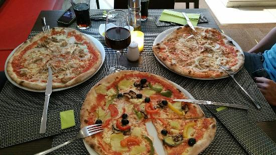 pizza montana bremen mmm monday the best pizza in bremen. Black Bedroom Furniture Sets. Home Design Ideas