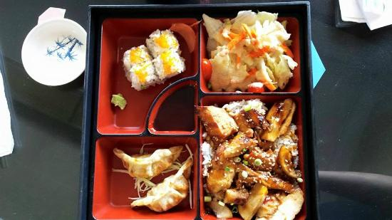 Lake Dora Sushi & Sake: Teriyaki Chicken Bento Box