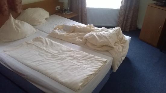 Select Hotel Aria: letto  matrimoniale con due letti separati