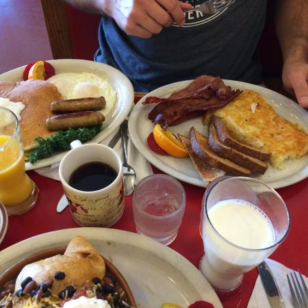 Laurie's Breakfast Cafe: 222 plus some extras