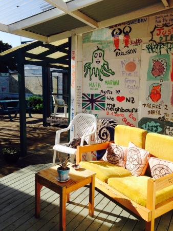 The Cats Pyjamas: Cute Sunny garden