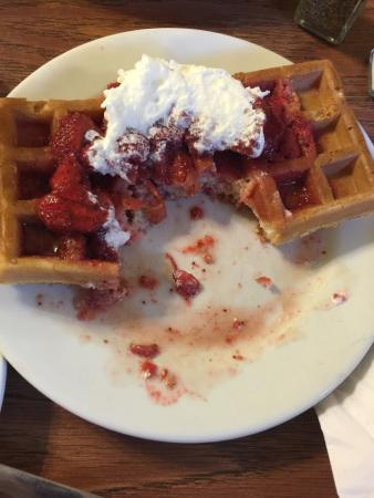 Mary's Cafe & Pub: Terrible, tough waffle that they take from the freezer, thaw in microwave, the put on the grill.