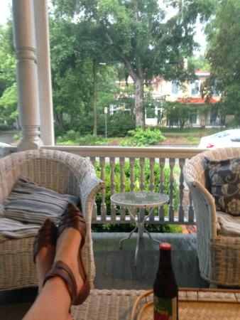 Blue Heaven Bed and Breakfast: Even a summer storm was nice to watch from the porch with complimentary beer!