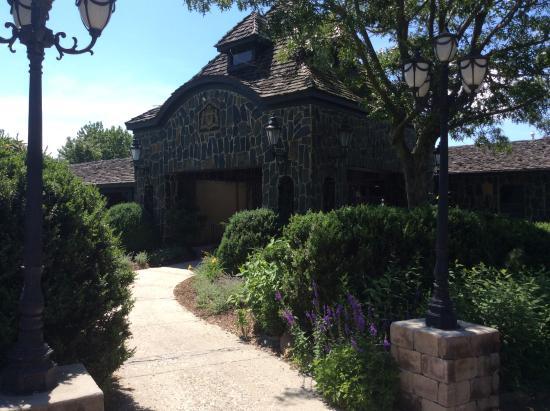 Floyd, VA: Entry into restaurant
