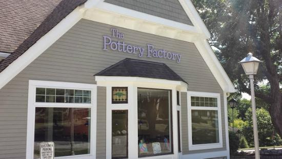 ‪The Pottery Factory‬