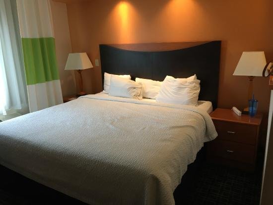 Fairfield Inn & Suites Abilene: King size bed