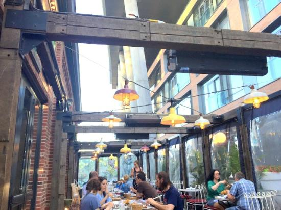Cluny Bistro: Outdoor Patio