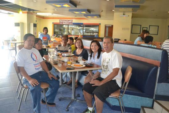 Hotel Veniz: Breakfast buffet at Veniz Grill.