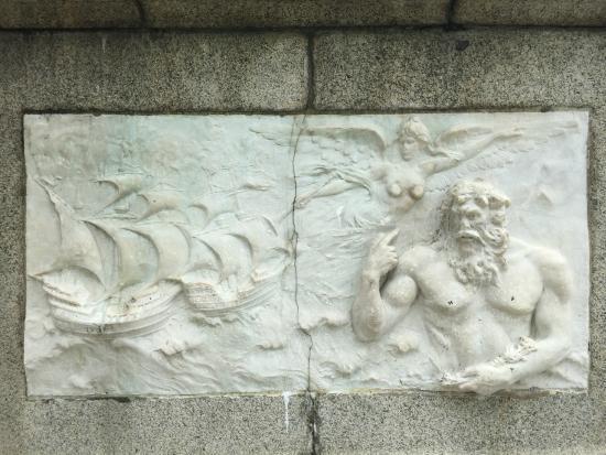 Relief at the bottom of the Vasco da Gama Monument