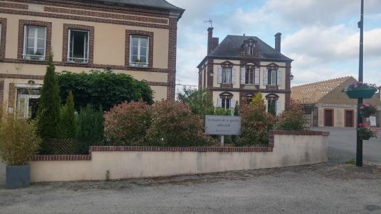 Francheville, Prancis: Faixada