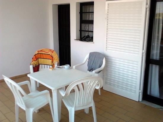 Solgarve Hotel : Grosse Terasse mit Zugang vom Wohnzimmer und der Küche