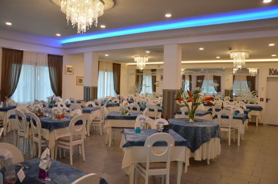sala da pranzo - Picture of Hotel La Capinera, Bellaria ...