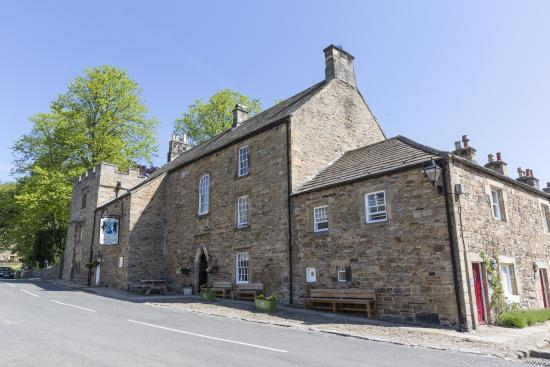 Lord Crewe Arms, Blanchland: Front of hotel