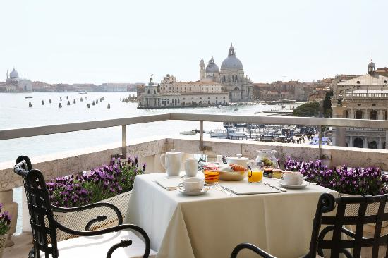 Restaurant terrazza danieli venice castello for Breakfast terrace