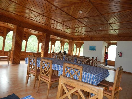Hotel Kinner Kailash (HPTDC): Dining area