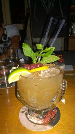 Faltso bar