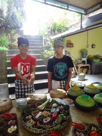 Payuk Bali Cooking Class: OUr chefs
