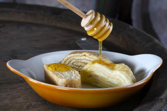Gostilna Kunstelj: Our bees make great honey - taste it in our desserts :)
