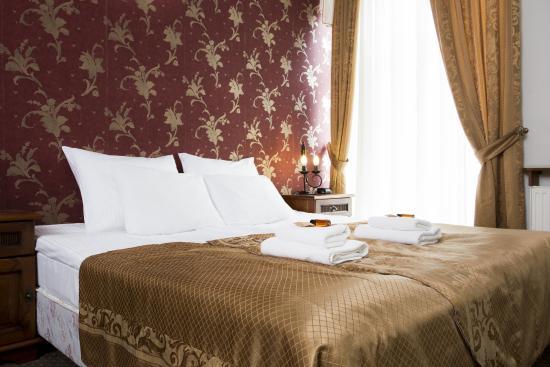 Abella Guest Rooms: Junior Suite