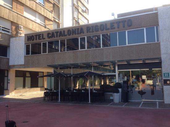 Catalonia Rigoletto : Front of the hotel.