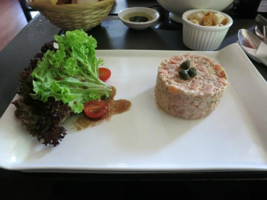 That Little Wine Bar: 3 Salmon Tartare