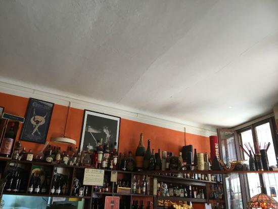 Le Petit Arquebuse: interno del locale