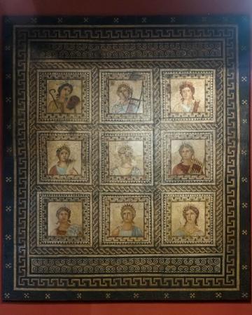 Rheinisches Landesmuseum: Мозаика с музами