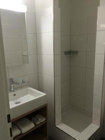neue b der picture of hotel rossli allschwil tripadvisor. Black Bedroom Furniture Sets. Home Design Ideas