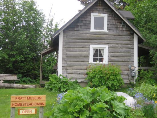 Pratt Museum : the homestead cabin