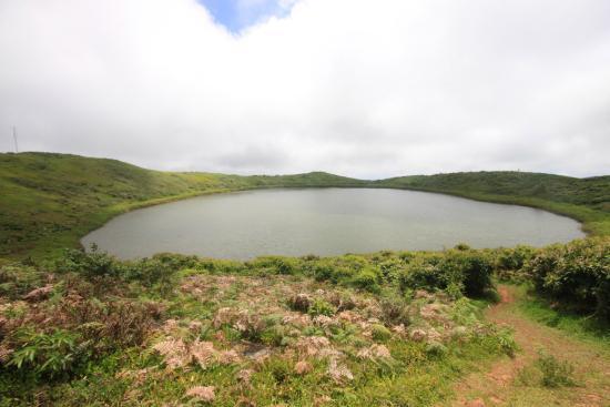 Lagoon El Junco: Озеро в жерле вулкана.