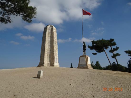 Çanakkale-Şehitlik - Picture of Canakkale Sehitleri Aniti ...