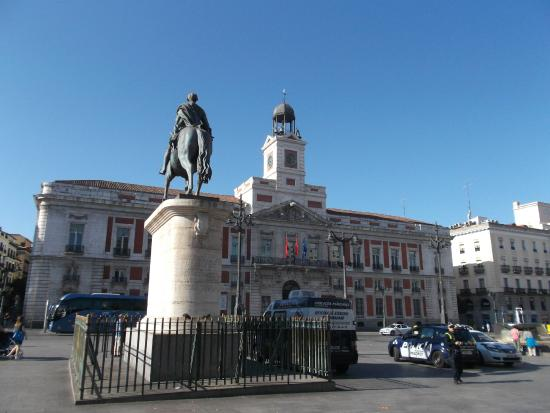 The famous clock in puerta del sol picture of reloj de for Fotos reloj puerta del sol madrid