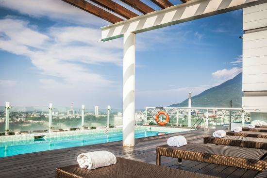 Fiesta Inn Monterrey Tecnologico: Outdoor Pool