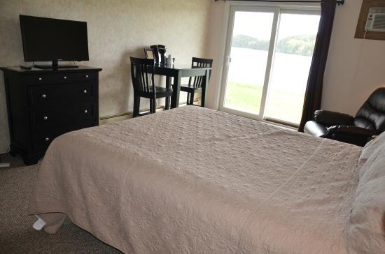 Waterfront Queen Bedroom Picture Of Machias River Inn