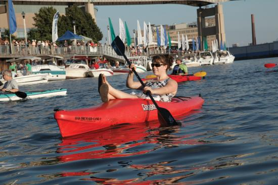 Buffalo, Estado de Nueva York: Kayaking in Canalside