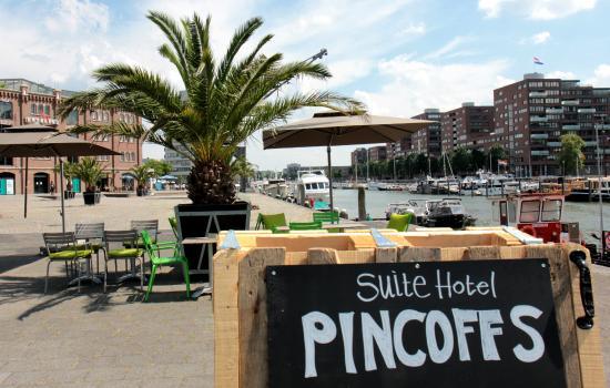 Suite Hotel Pincoffs : The Pincoffs Hotel - terrace at waterfront