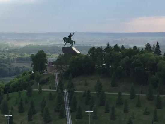 памятник салавату юлаеву уфа фото
