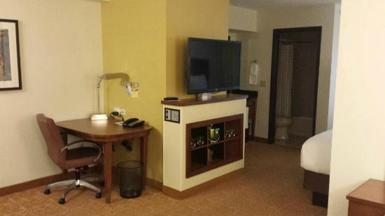 Hyatt Place Dallas/North Arlington/Grand Prairie: entertainment center