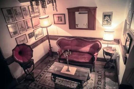 La Casa di Ninetta: Interno Napoletano