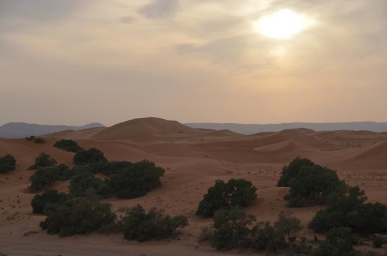 Ksar Bicha: coucher de soleil sur les dunes