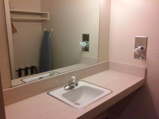 Rodeway Inn Sonora : Sink